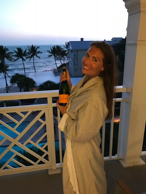 veuve-on-balcony